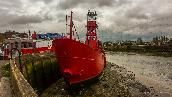 Wed 9th<br/>red boat in bow creek